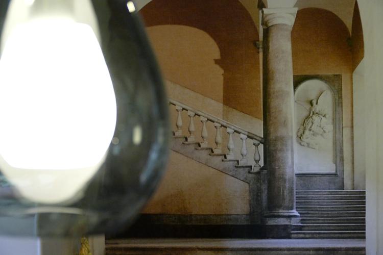 tapisserie landau lampe treppe säule